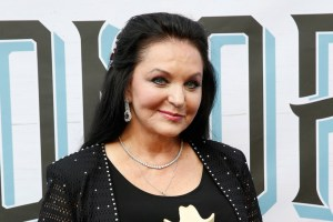 Crystal Gayle Tour Dates 2017